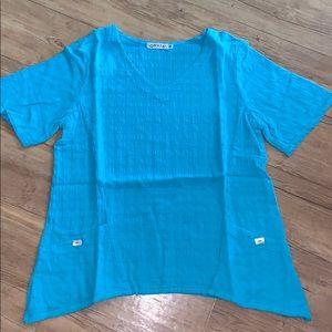 Blue v-neck tunic with pockets